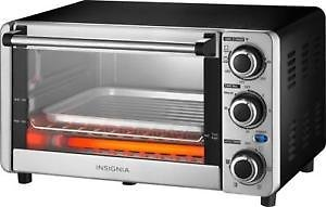 Insignia 4-Slice Toaster Oven - Stainless Steel
