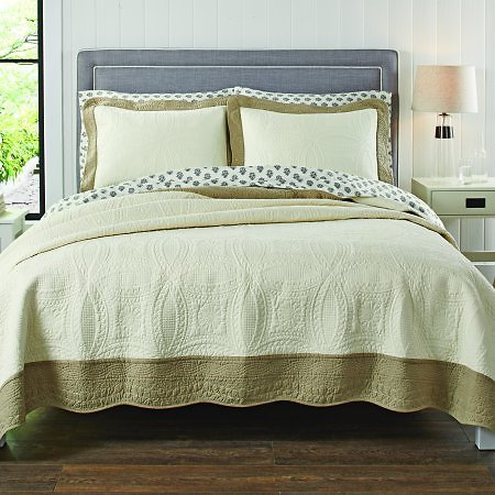 Better Homes & Gardens Quilt Collection