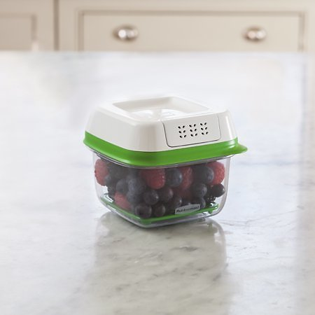 Rubbermaid FreshWorks Produce Saver Food Storage Container 2.5 Cup