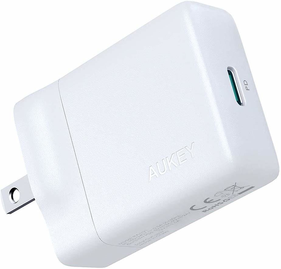 AUKEY USB-C Charger with 27W Power Delivery 3.0, Ultra-Slim USB PD Wall Charger with Foldable Plug, Compatible with IPhone Xs/Xs Max/XR, Nintendo Switch, MacBook Air, and More: Cell Phones & Accessories