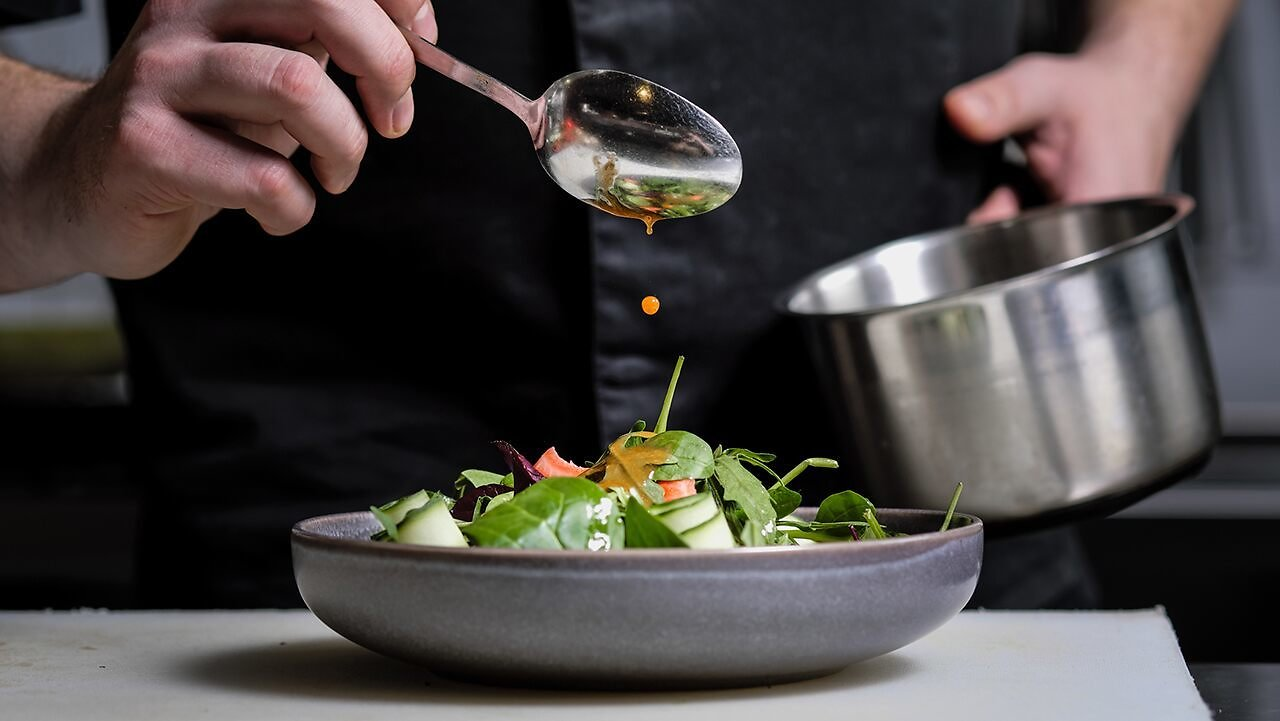 Unemployed NYC Chefs Are Taking Jobs As Personal Cooks for Billionaires