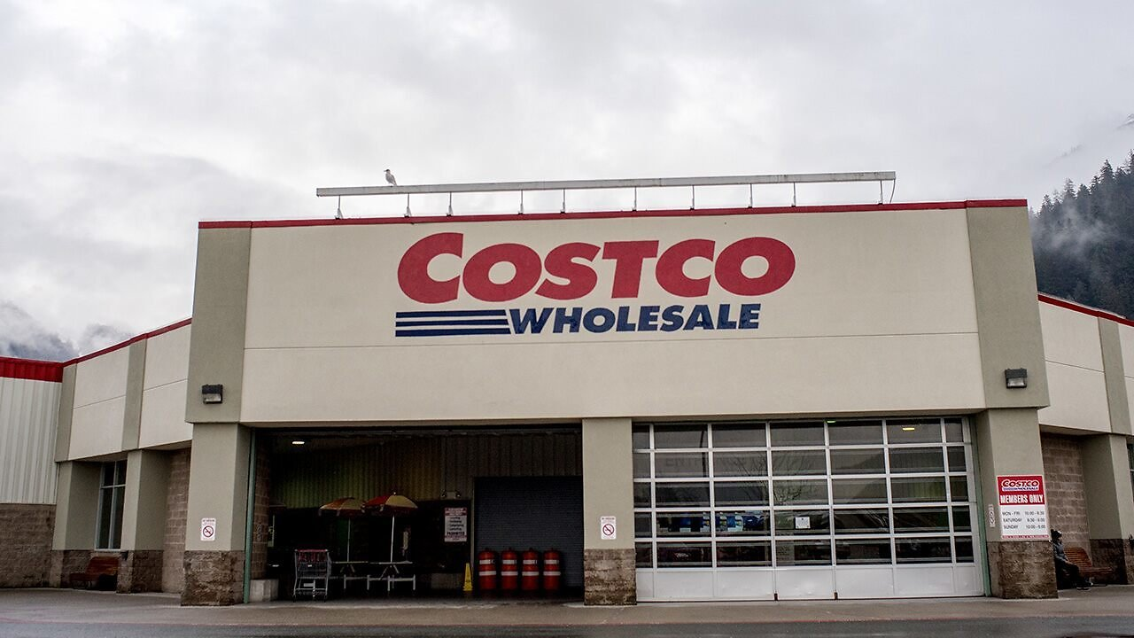 Amid Pandemic, Alaska Man Supplies Groceries for Entire Town During 7-hour Costco Runs