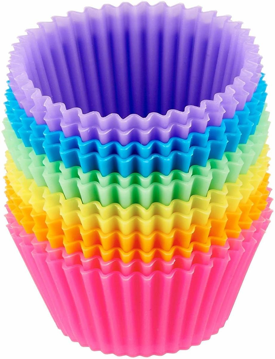 AmazonBasics Reusable, Silicone, Non-Stick Baking Cups Liners - Pack of 12