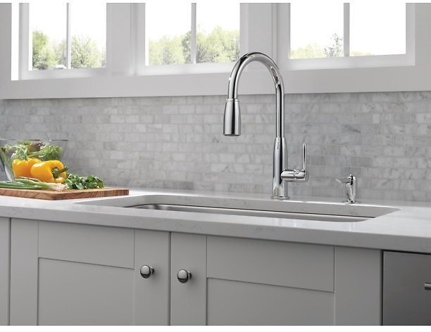 Peerless Core Kitchen Pull-Down Faucet + F/S