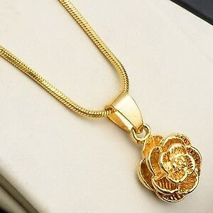 Women's Flower Pendant Necklace 18k Yellow Gold Filled 18