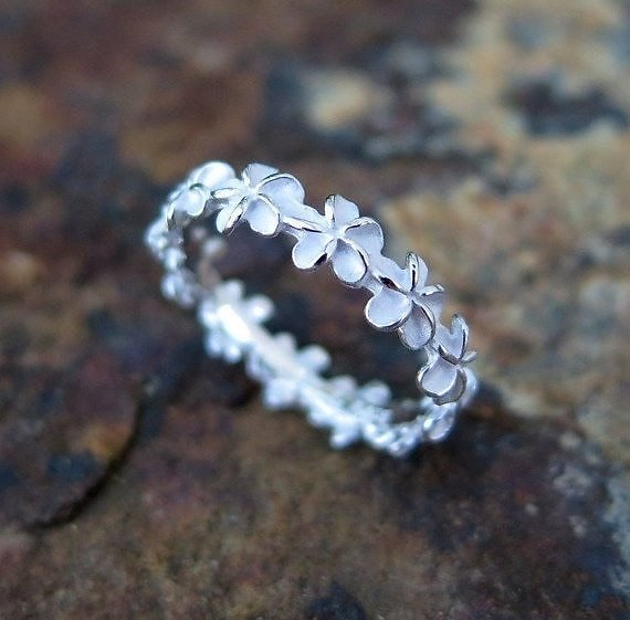US $2.17 35% OFF|Exquisite Women Jewelry Hawaiian Plumeria Flower Lei Ring Eternity Band Wedding Party Ring Gift for Her|Wedding Bands| - AliExpress
