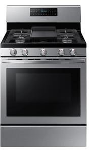 Samsung 30 In. 5.8 Cu. Ft. Gas Range with Self-Cleaning and Fan Convection Oven in Stainless Steel-NX58R5601SS