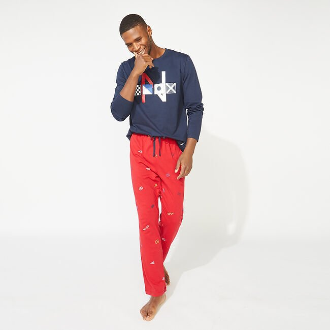 Men's Slim Fit Graphic Long Sleeve and Knit Pants Pajama Set
