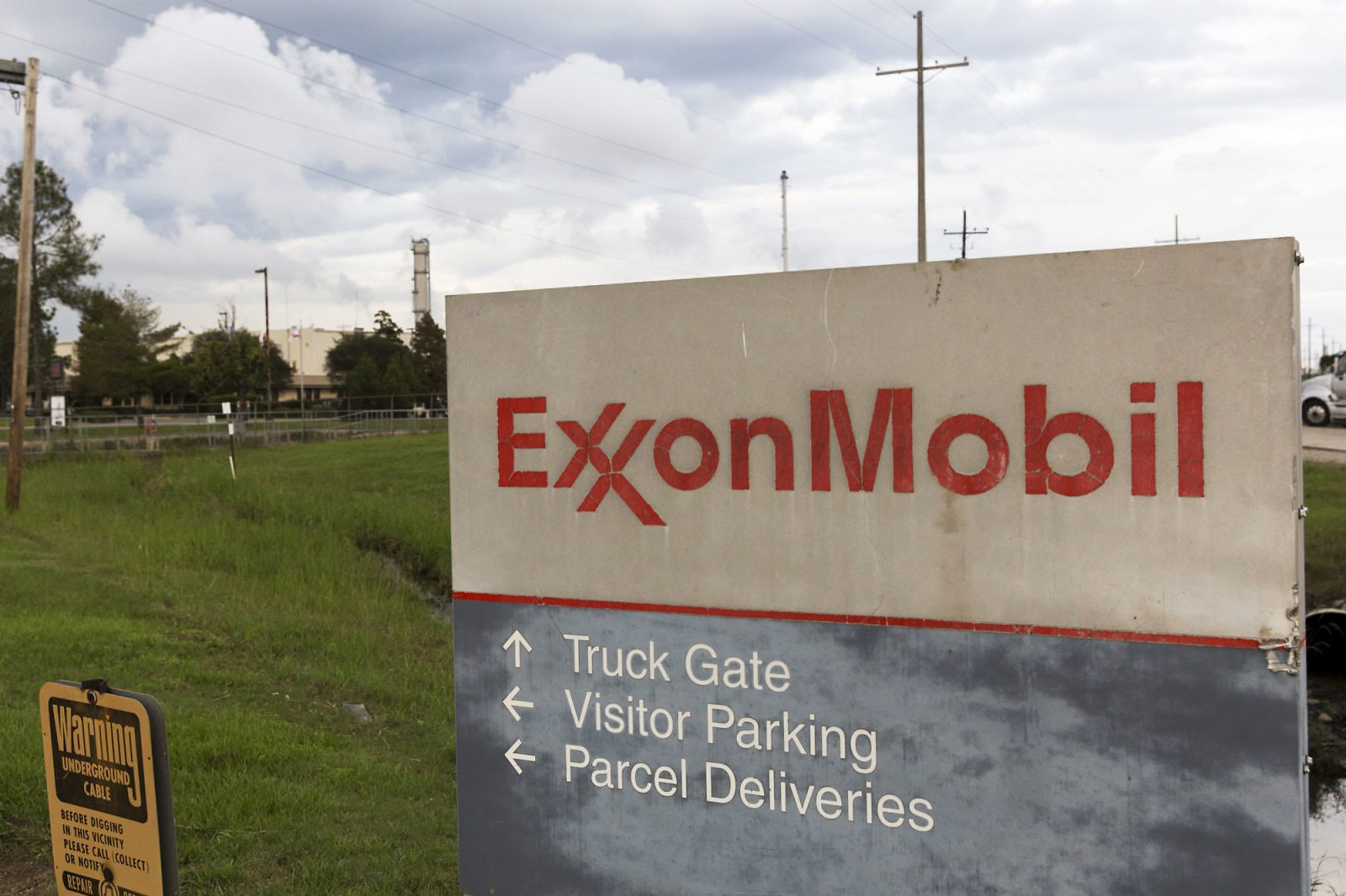 Exxon Mobil Replaced By a Software Stock After 92 Years in The Dow Is a 'sign of The Times'