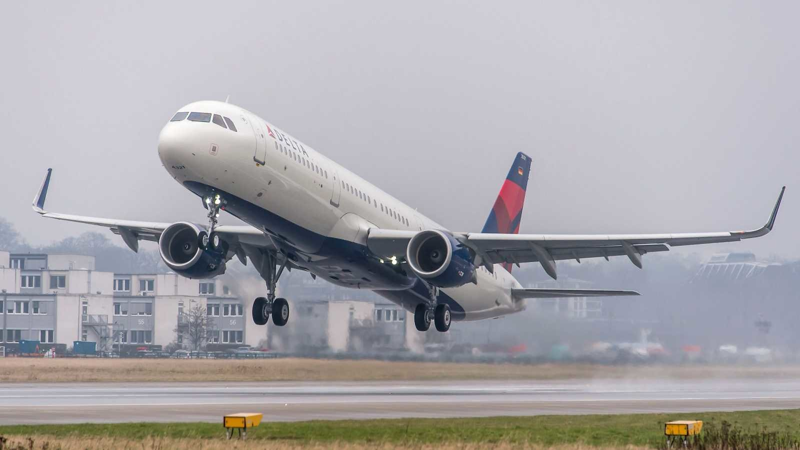 That Didn't Take Long: Delta, American Join United in Ditching $200 Change Fee On US Flights