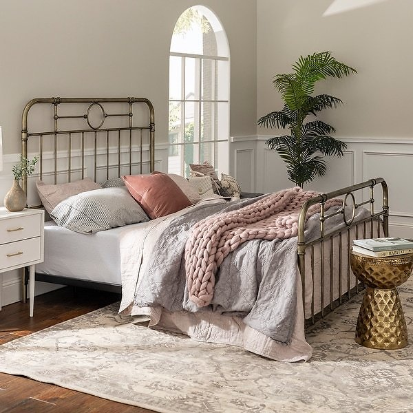 Middlebrook Designs Classic Antique Finish Metal Pipe Bed