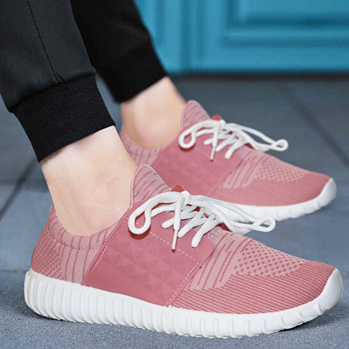 Women's Casual Breathable Memory Foam Lace-Up Sneakers