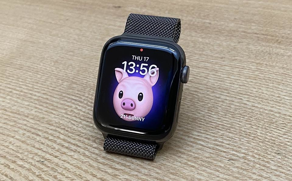 Apple Watch Series 6 & Apple Watch SE 1st Look Review: Handsome With Useful Upgrades