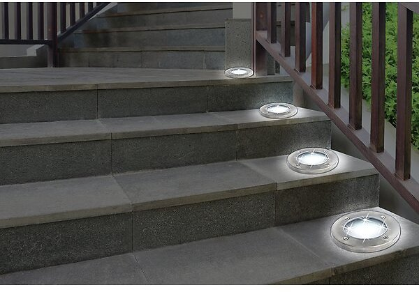 Solar Powered Integrated LED Pathway Light Pack