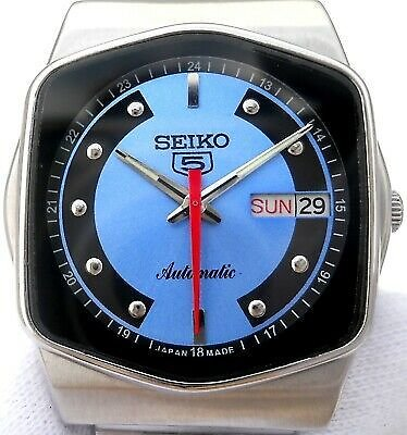 Vintage Japan Seiko 5 Automatic Gorgeous Sky Blue Classic Day Date Mens Watch.