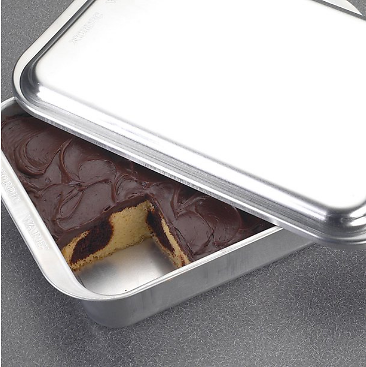 Nordicware Covered 9 X 13 Covered Baking Pan