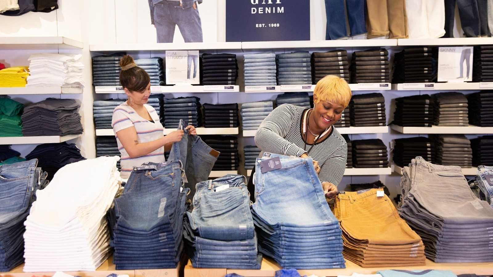 Gap Inc. Is Exiting Malls: 220 Gap Stores, 130 Banana Republic Stores to Shutter By 2024.