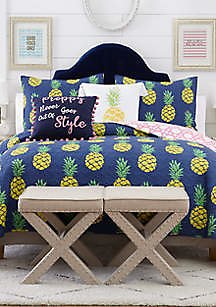 Crown & Ivy™ Piper Pineapple Quilt