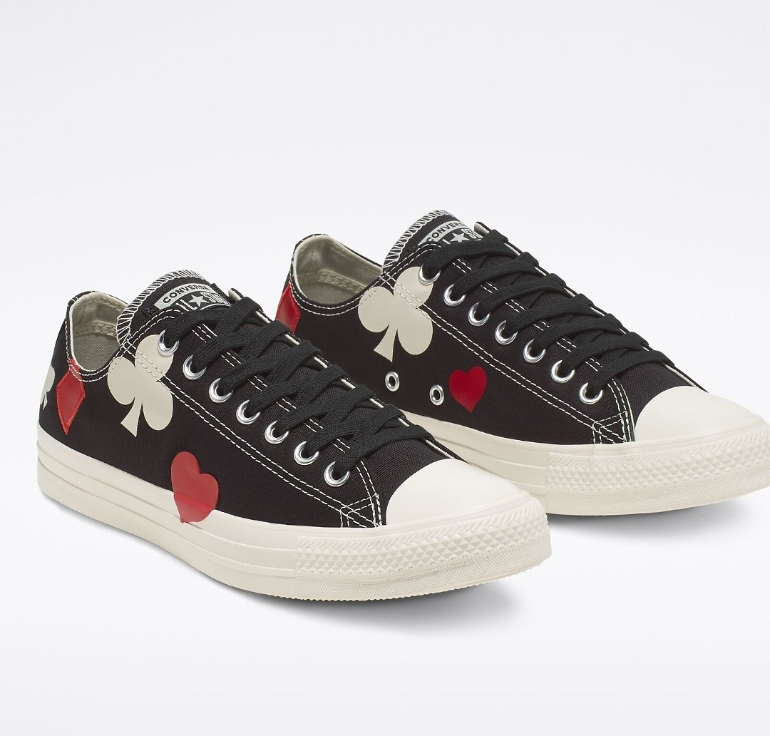 Chuck Taylor All Star Queen of Hearts Low Top Unisex Shoes