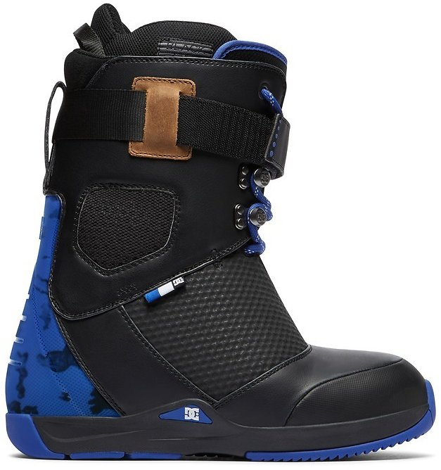 Tucknee Lace-Up Snowboard Boots