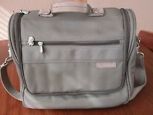 BRIGGS & RILEY Carry On Tote Fits Over Handle Luggage Green W/Shoulder Strap