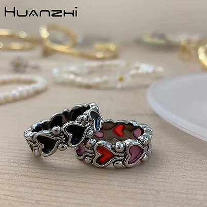 HUANZHI 2020 New Individuality Baroque Vintage Hit Colour Love Heart Metal Rings for Women Girls Party Jewelry