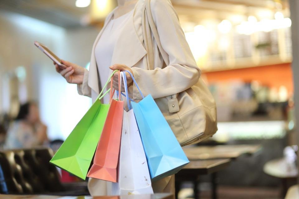 How Retailers Are Using Tech To Take Their In-Store Customer Experience Online