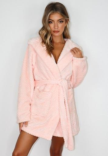Missguided - Pink Super Soft Fluffy Short Dressing Gown