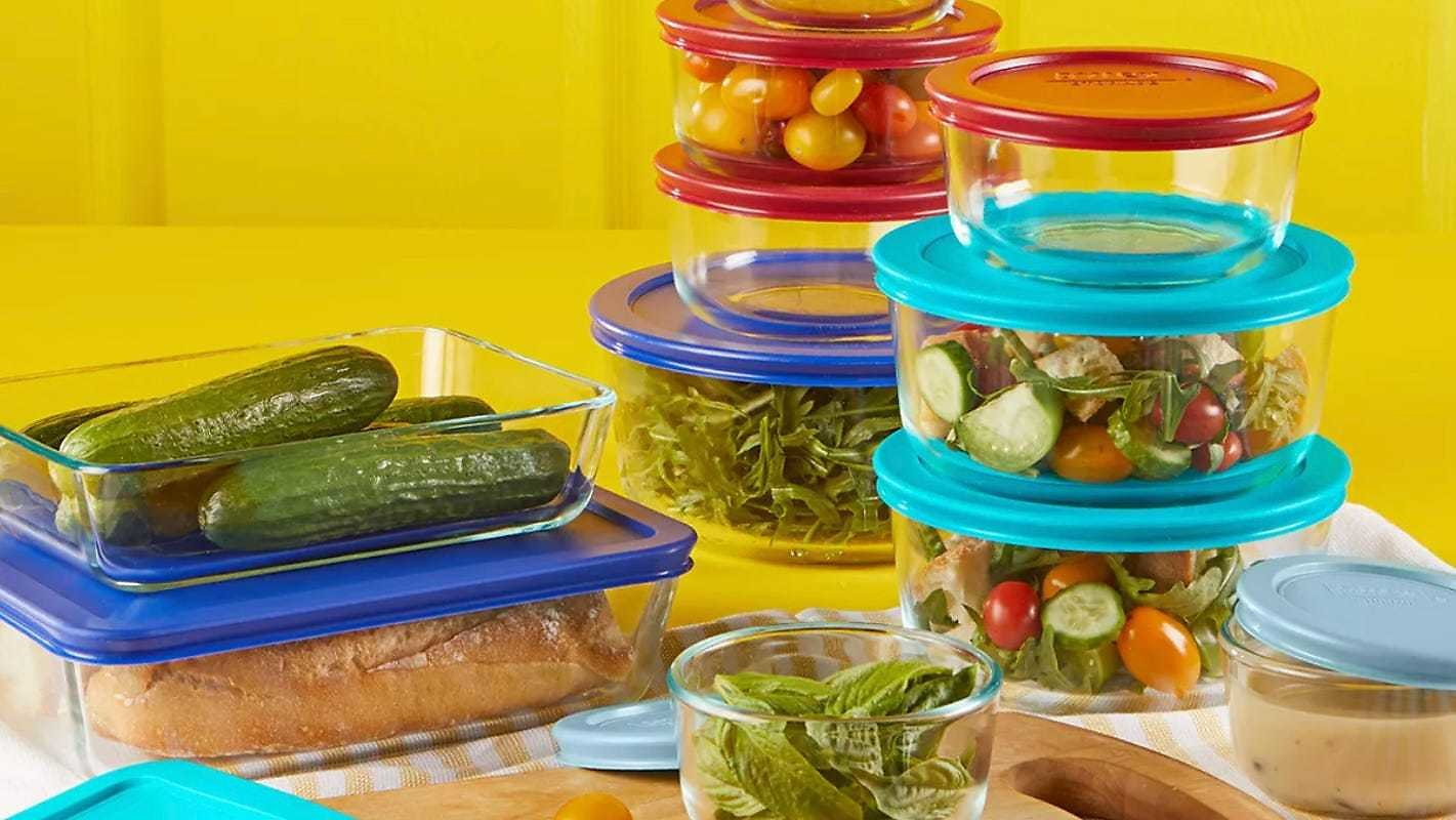 This 22-piece Pyrex Set Is Ridiculously Cheap Right Now for Black Friday 2020