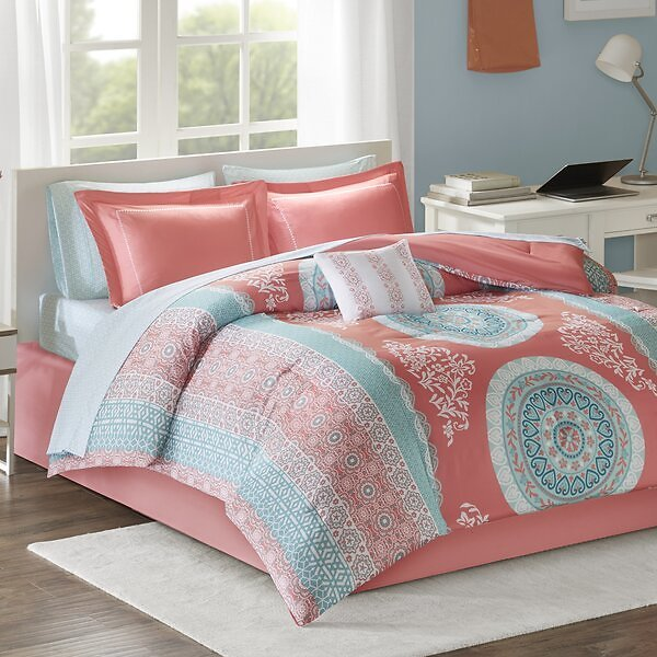 SAVE 8% OFF ON Aiden 7 Piece Comforter Set