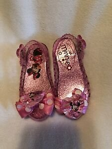 Used Pink Disney Store Minnie Mouse Light Up Plastic Costume Shoes Size 6/8