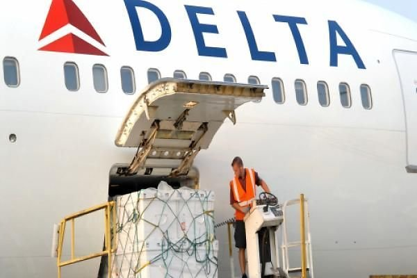 Delta Cargo Shuts Chicago Airport Facility For 9 Days
