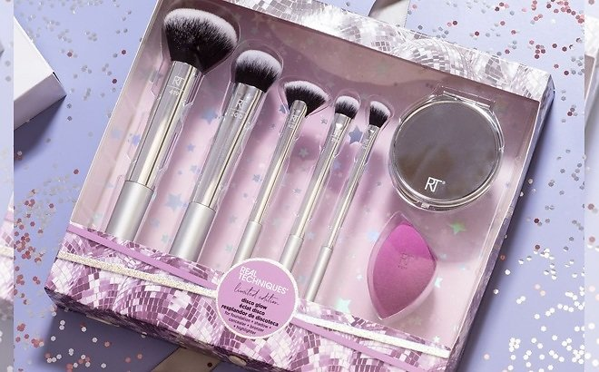 Real Techniques Sparkle On-The-Go Makeup Brush Gift Set with Beauty Blender Sponge