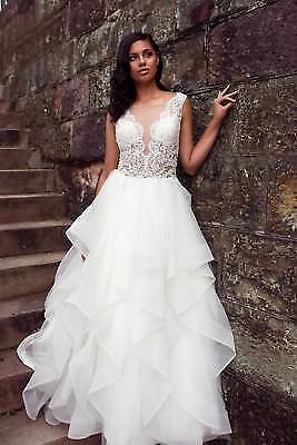 Sheer Illusion Neckline Lace Ball Gown Sleeveless Bridal Gowns Wedding Dresses
