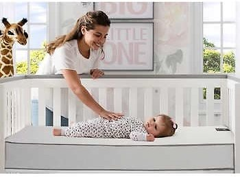 Simmons Kids Beautyrest Black Solitaire 2-Stage Crib and Toddler Mattress