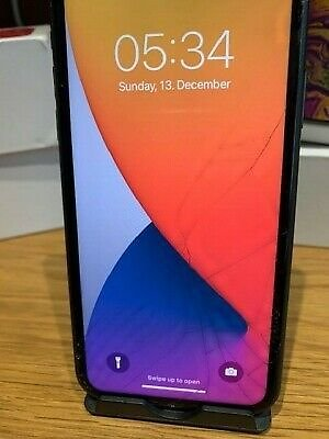 Apple IPhone 11 64GB , Smashed Screen, All Round Great Condition A2221