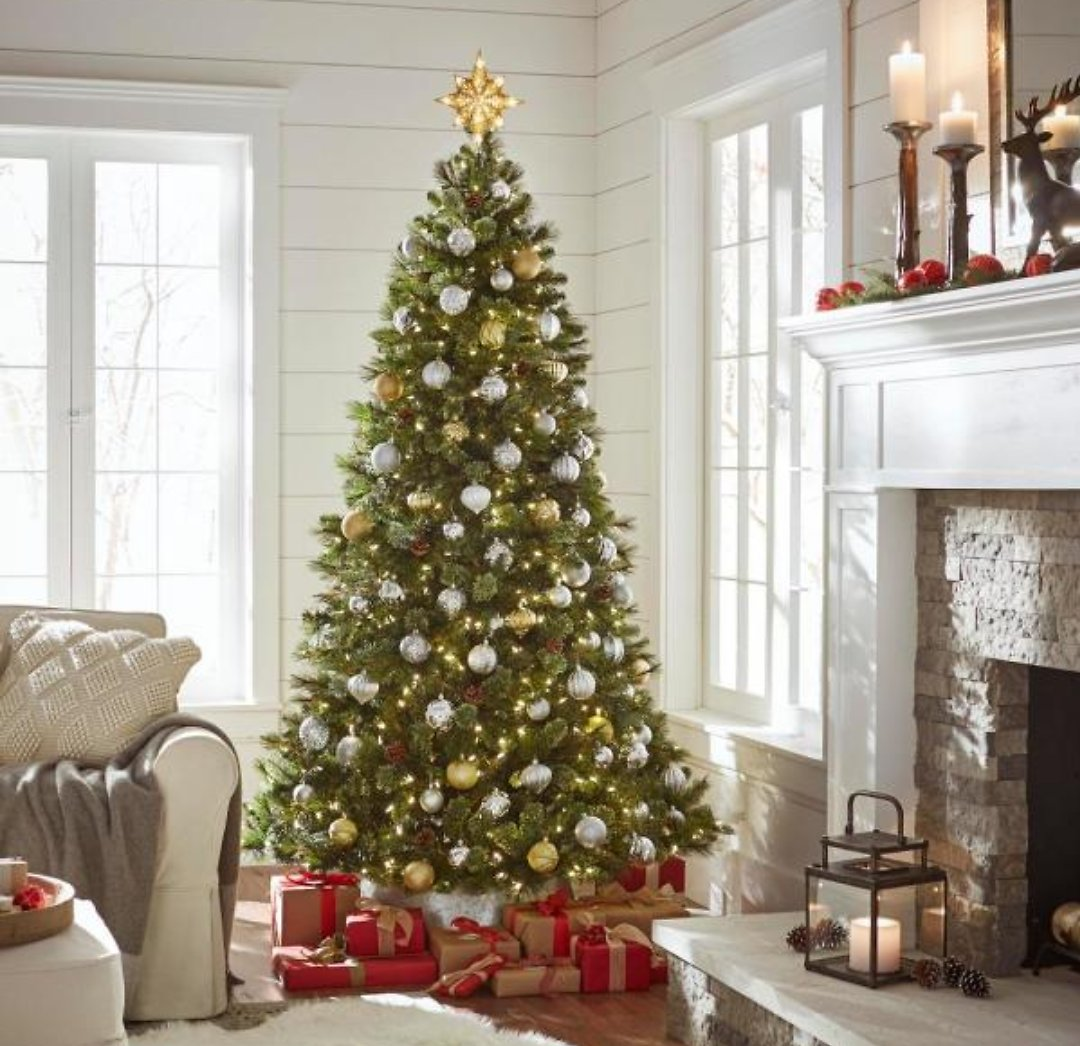 Home Accents Holiday 7.5 Ft Alexander Pine Pre-Lit LED Artificial Christmas Tree with 550 SureBright Warm White Lights-TG76M5311L08