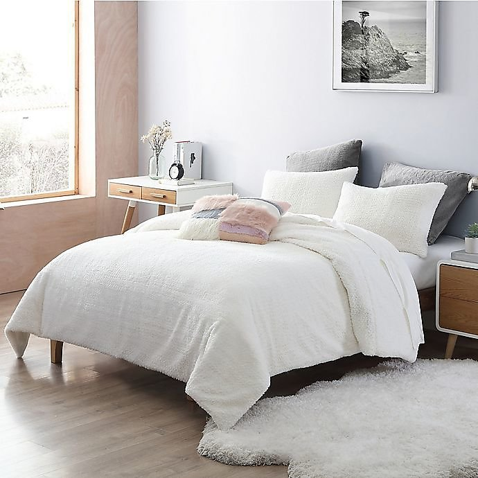 UGG® Charlise Faux Fur 2-Piece Twin/Twin XL Comforter Set in Snow