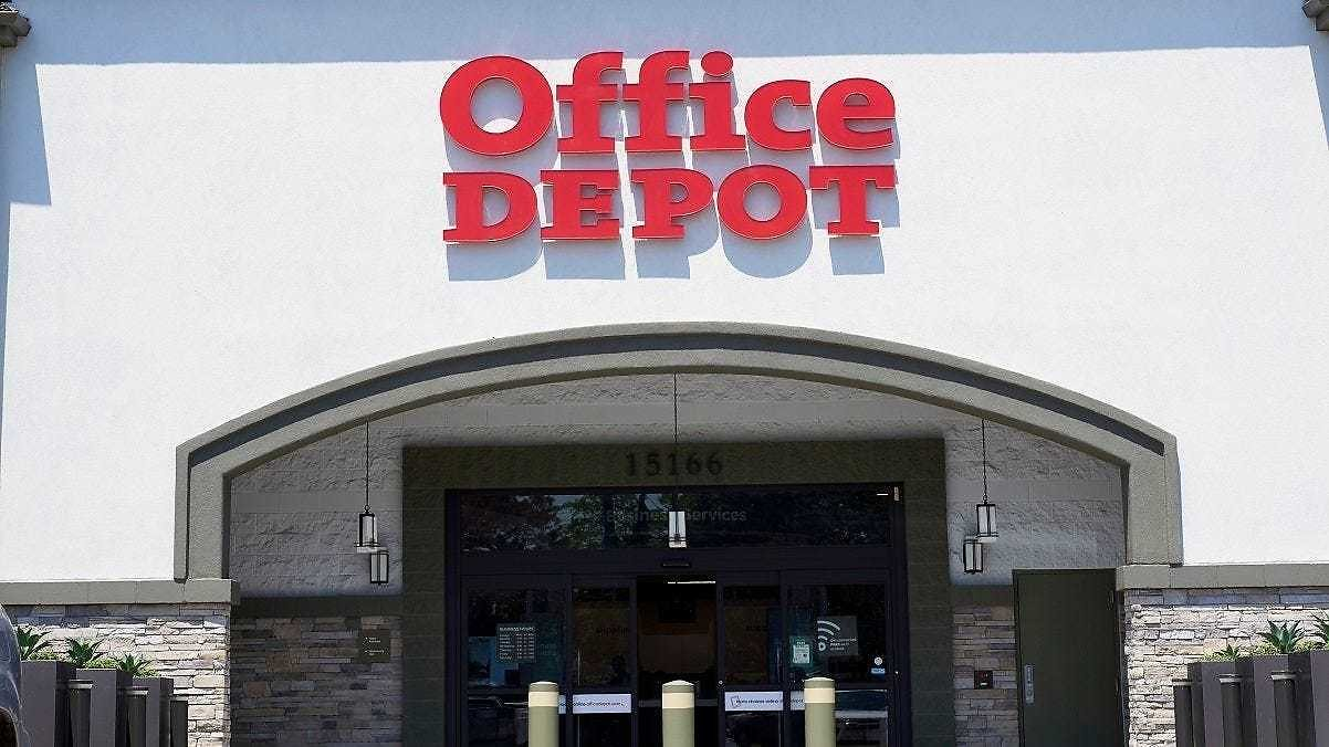 Office Depot Rejects Staples Acquisition Offer But Would Consider Merger of Retail Operations
