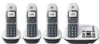 Motorola Digital Cordless Telephone with Answering Machine - Includes 4 Handsets