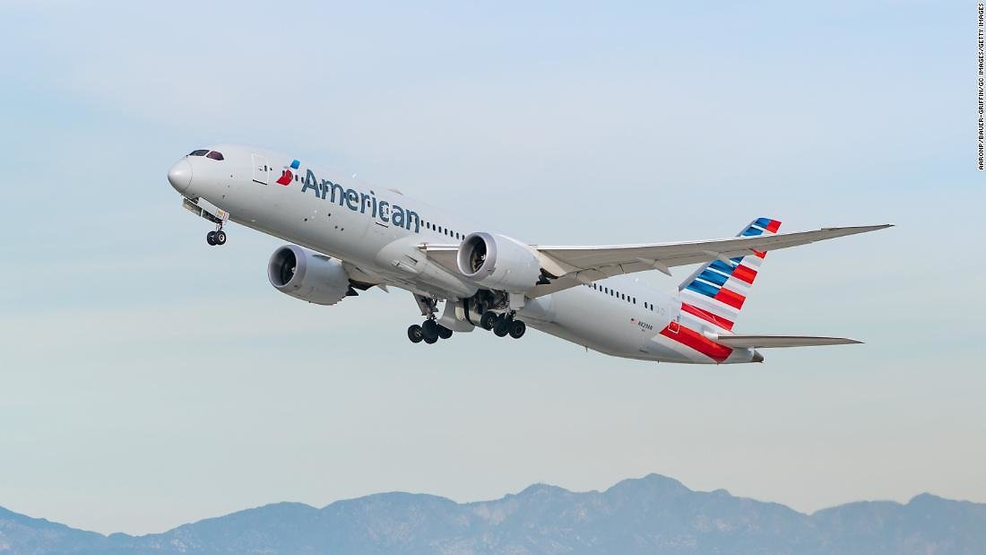 American Airlines Has So Much Extra Wine That It Is Starting a Delivery Service