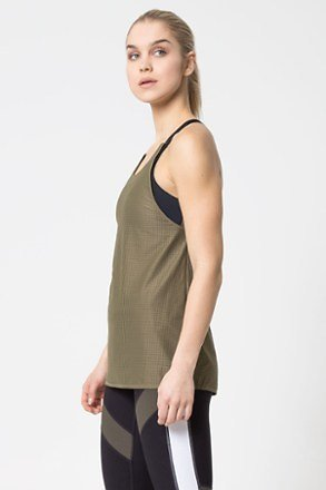 Reenergize 2-in-1 Engineered Mesh Tank Top - Women's