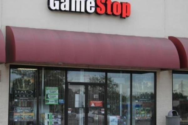 Barron's Picks And Pans: Roundtable Picks, GameStop, LKQ, Netflix, Roblox And More