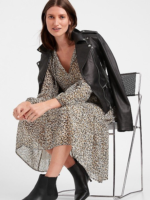 Up to 75% Off Women's Dresses & Jumpsuit