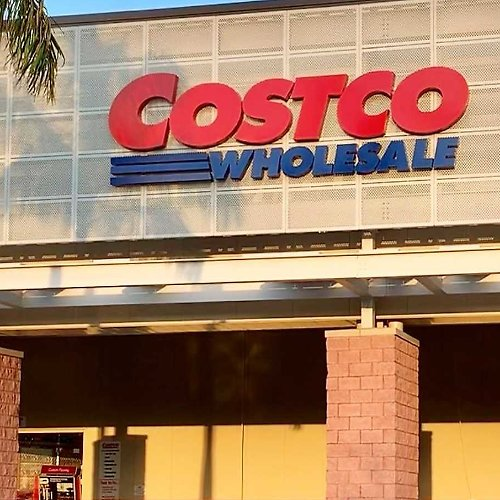 Costco to Increase Its Minimum Wage to $16 Per Hour, But CEO Says The Average Pay for Hourly Workers Is $24