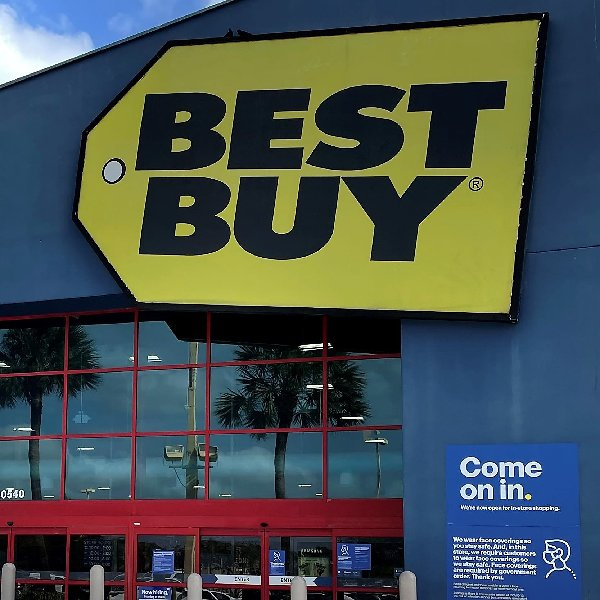 Best Buy Expected to Close More Stores in 2021