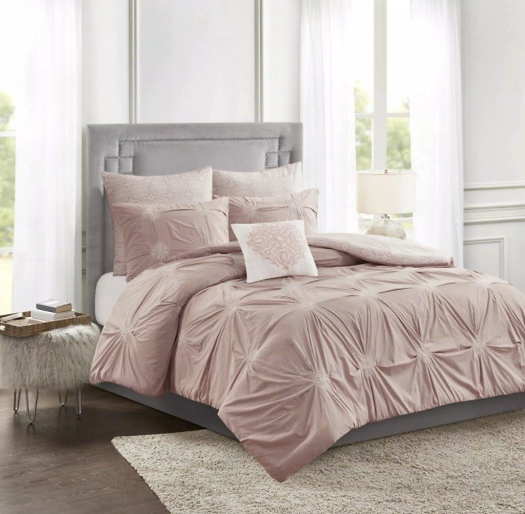 Up to 40% Off Furniture, Kitchen & Bedding