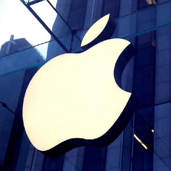Apple Reopens All US Stores