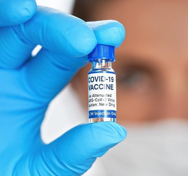 Local Pharmacies Say They Need More COVID-19 Vaccines As CVS, Walgreens Ramp Up Shots