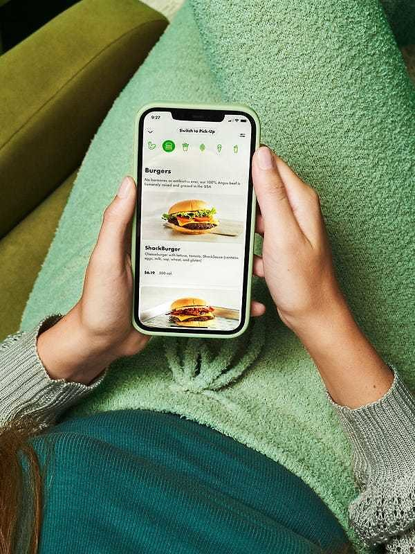 Shake Shack Launches Delivery Nationwide, with Free Fries Through The End of The Month